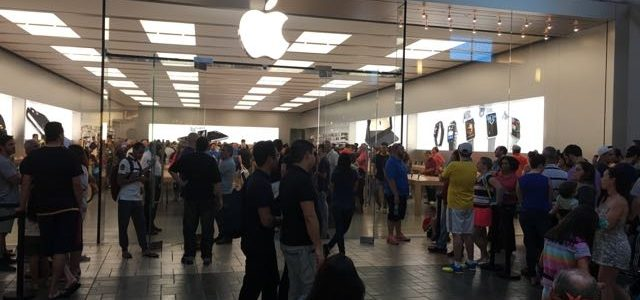 Lining up for the iPhone 7 Plus