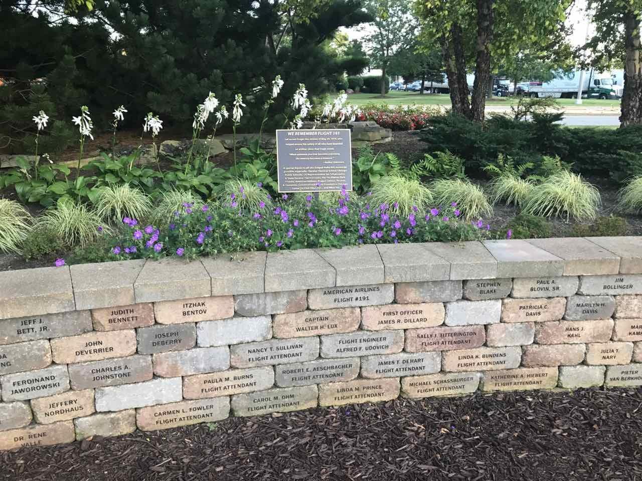 American Flight 191 Memorial site – The Traveling Steve\'s