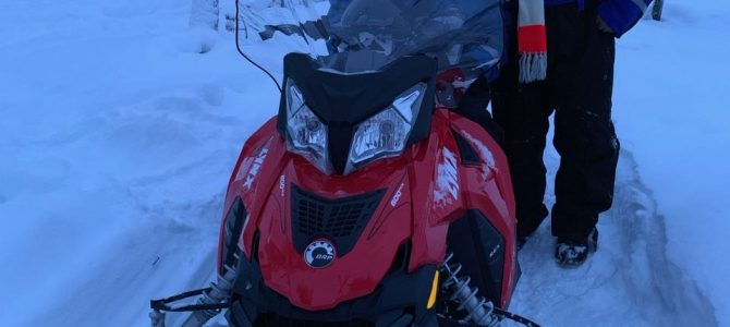 Snowmobiling in Lapland!